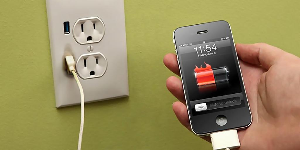 Gunakan Charger Asli iPhone dan Hindari Recharge Via PC/Laptop