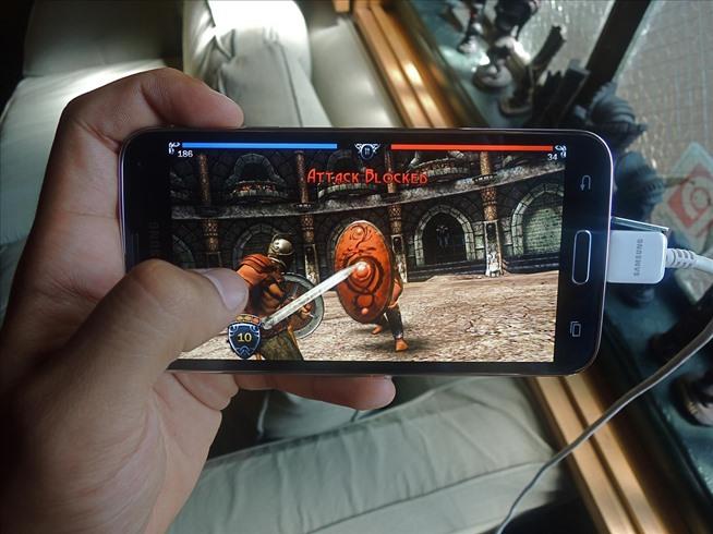Hindari Terlalu Sering Main Game di Smartphone