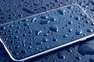 mengatasi smartphone basah kehujanan