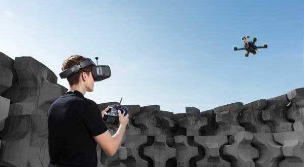 DJI Luncurkan Headset Baru Untuk Para Pembalap Drone